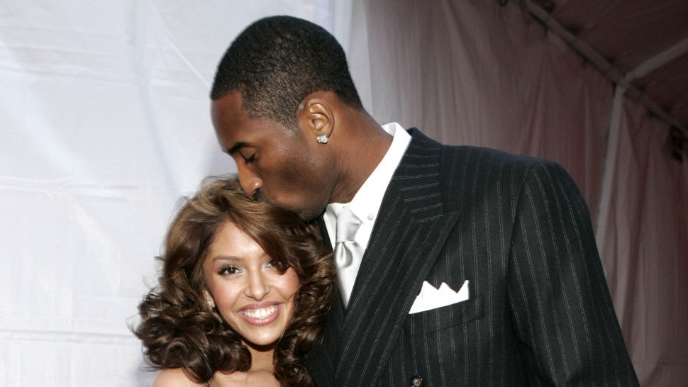 Kobe Bryant y su esposa Vanessa Bryant en los MTV Movie Awards 2004